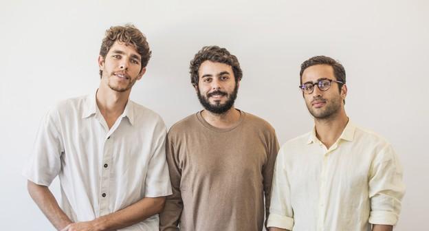 Empreendedores criam óculos usando materiais reciclados