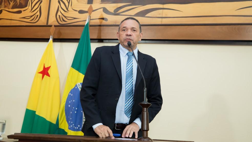 Manoel Moraes também está cumprindo medidas cautelares  — Foto: Arquivo/Aleac