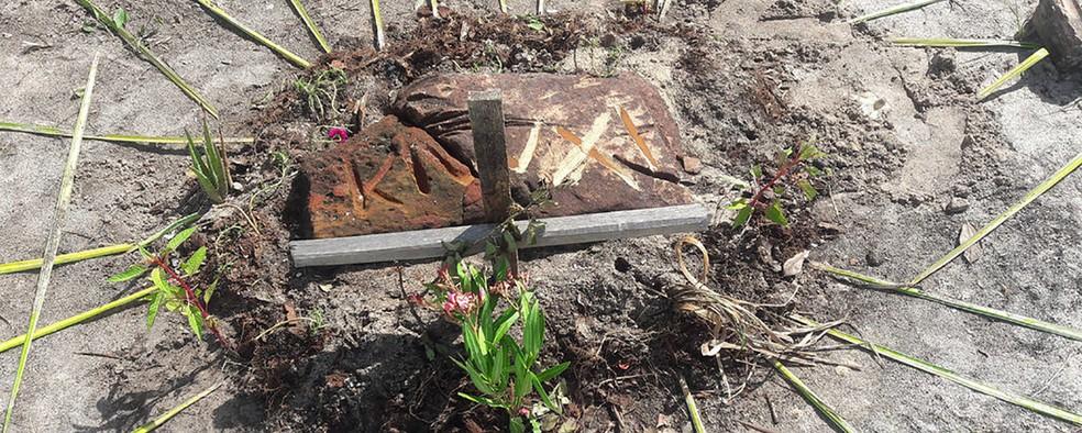 O corpo do missionário foi enterrado na aldeia indígena (Foto: Arquivo Cimi/Divulgação)