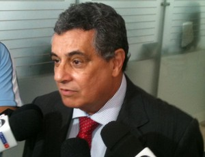 Presidente da Ferj critica o Quissamã: Não passa de tamborete para a mídia