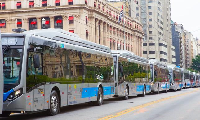 Ônibus elétricos de SP