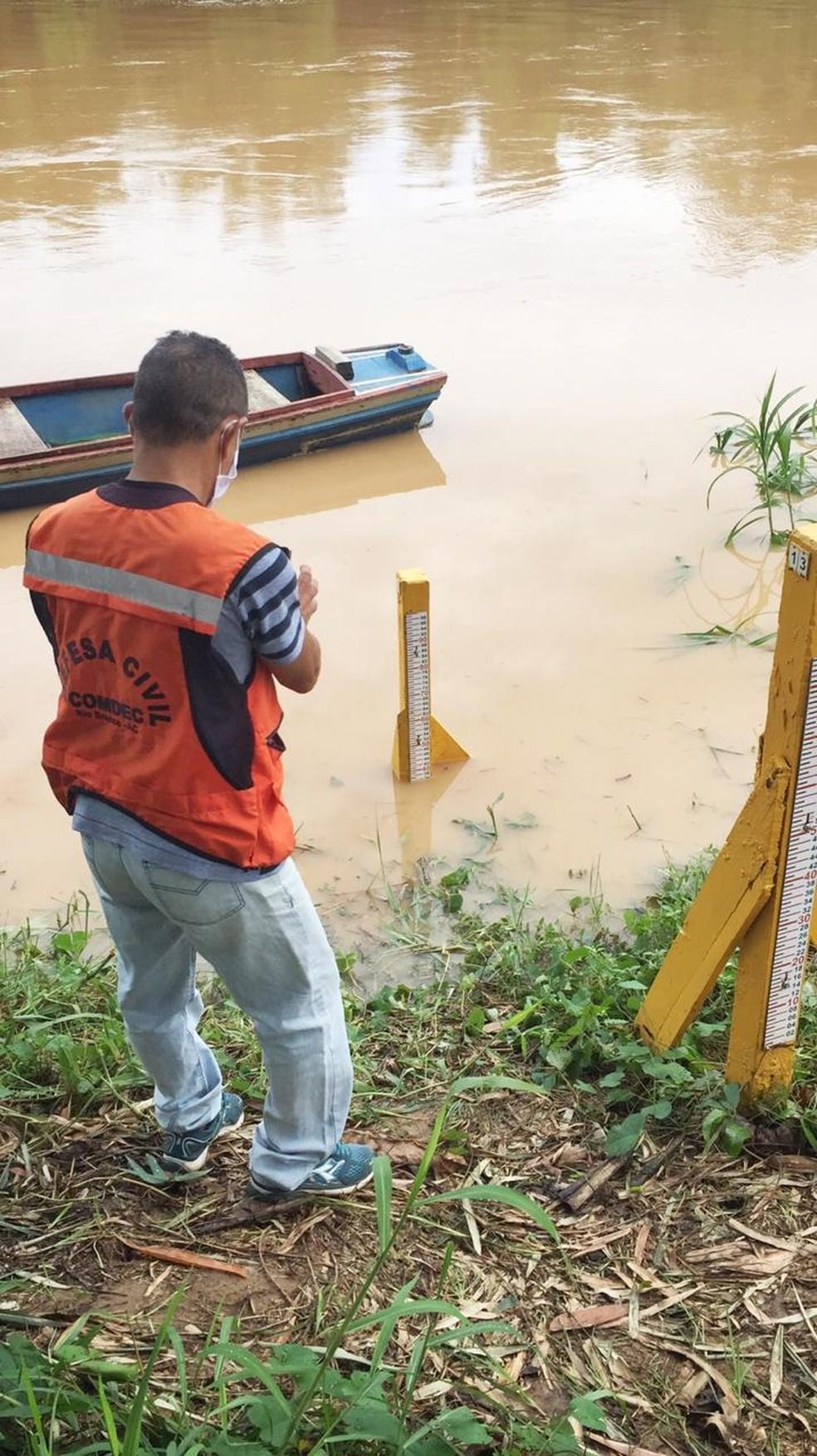 Rio Acre em Rio Branco chegou a cota de 9,38 metros neste sábado — Foto: Divulgação/Defesa Civil