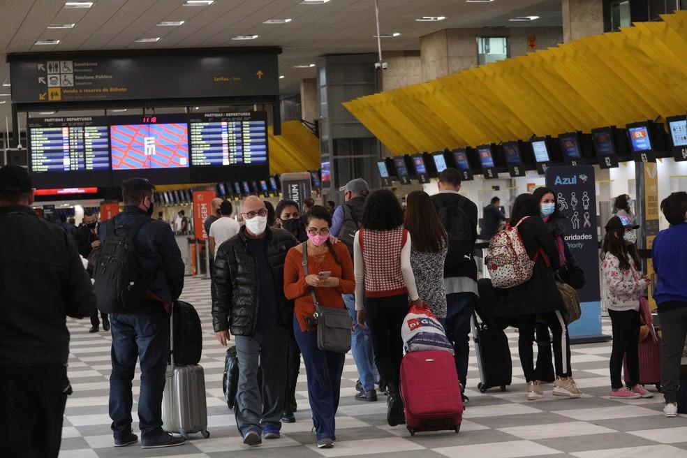 Passageiros circulando pelo Aeroporto de Congonhas, na Zona Sul da capital paulista — Foto: RENATO S. CERQUEIRA/FUTURA PRESS/ESTADÃO CONTEÚDO