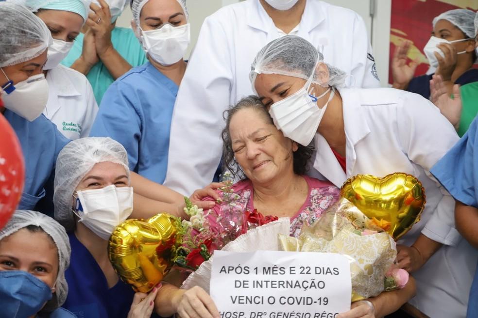 Após quase dois meses internada, paciente de 61 anos vence o coronavírus no Maranhão — Foto: Divulgação