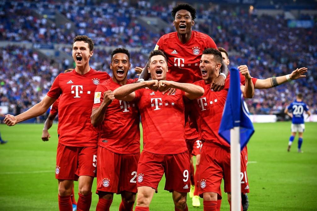 Com altos e baixos, Bayern manteve o quarto lugar pelo quarto ano consecutivo — Foto: EFE/EPA/SASCHA STEINBACH
