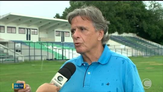 Lindolfo sofre com pragas no gramado e estádio fica sem previsão para reabertura