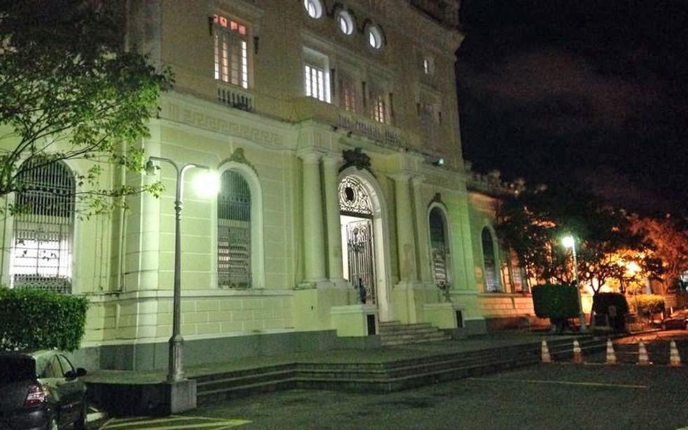 Comando-Geral da PM de Pernambuco fica no Quartel do Derby, na área central do Recife (Foto: Débora Soares/G1)