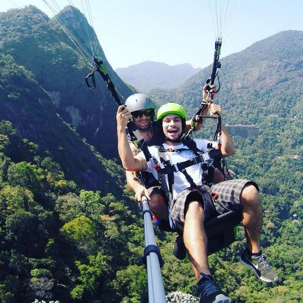 Sérgio Malheiros faz voo livre no Rio