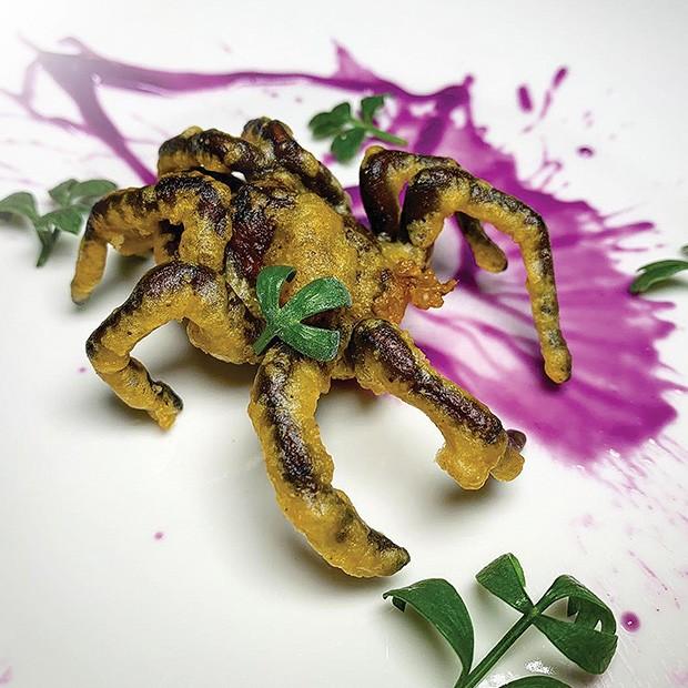 Gastronomia: O caríssimo tempurá de tarântula. (Foto: divulgação)