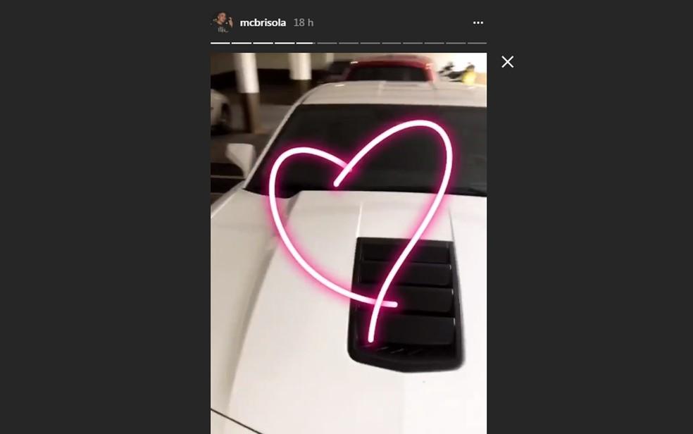 MC Brisola postou nas redes sociais imagens com o carro (Foto: Reprodução/Instagram)