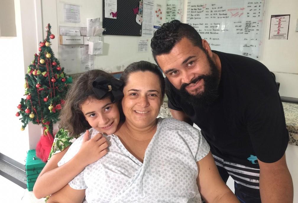 O casal de pastores, Fernanda e Willian, já tinham uma filha, Gabriela, de oito anos — Foto: Michelli Arenza/RPC
