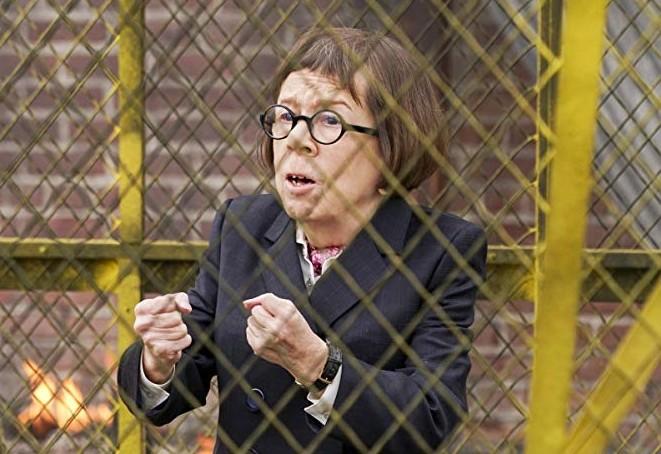 """Linda Hunt também ganhou em 1984 o Oscar de melhor atriz coadjuvante por seu papel em """"O Ano em que Vivemos em Perigo"""" (1982) (Foto: Divulgação)"""