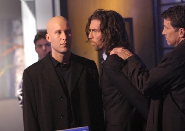 John Glover e Michael Rosenbaum e cena de Smallville (Foto: Reprodução)