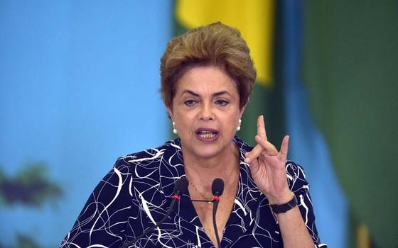 Dilma Rousseff discursa durante evento no Palácio do Planalto (Foto: José Cruz/Agência Brasil)