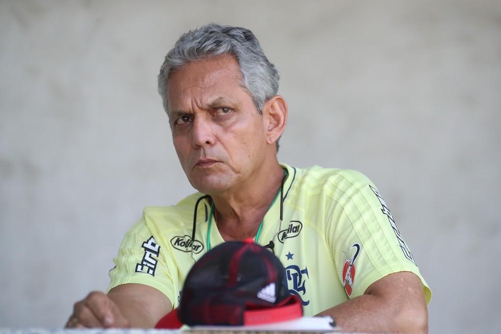 Reinaldo Rueda em treino do Flamengo no Ninho do Urubu (Foto: Gilvan de Souza / Flamengo)