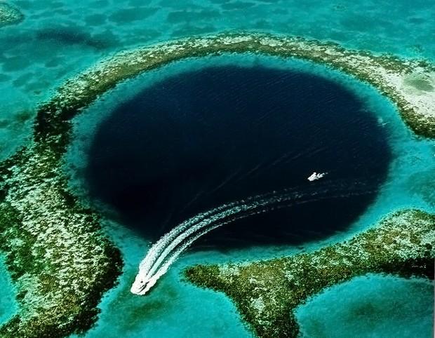 The Great Blue Hole, em Belize (Foto: Belize/Reprodução)