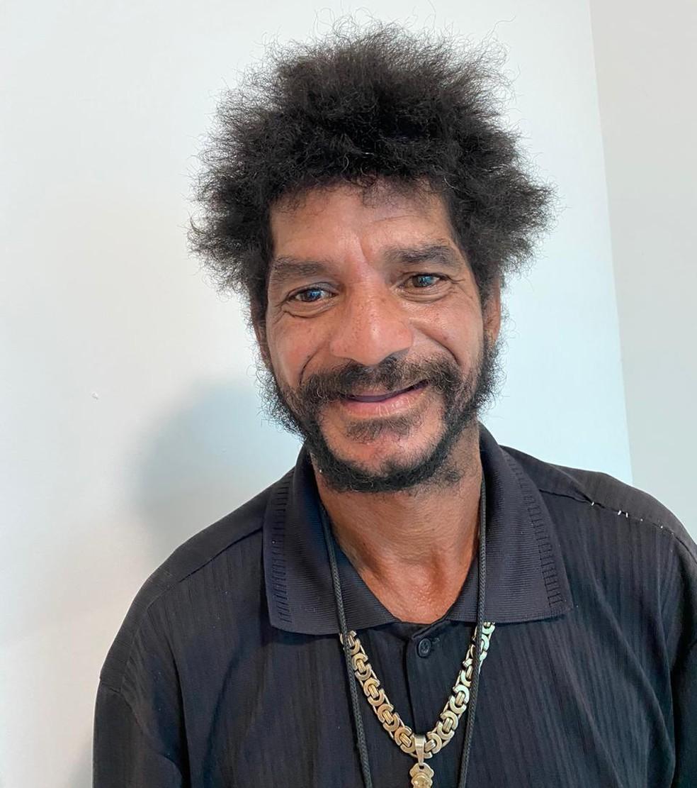 Segundo barbeiro, Ivo estava com a aparência desleixada  — Foto: Arquivo Pessoal/Ewerton Lima de Assis