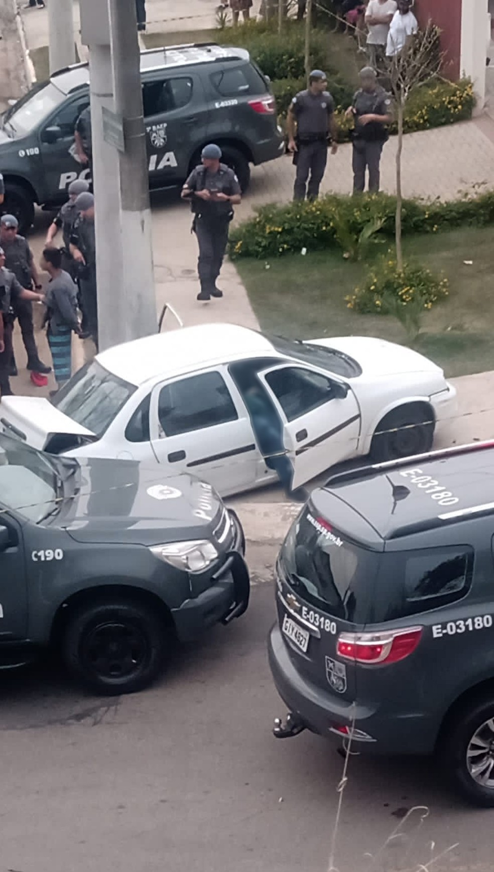 Homem é morto e três são presos em confronto com a PM na zona sul de São José dos Campos — Foto: Arquivo pessoal