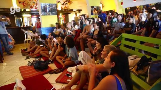 Torcida pela seleção brasileira feminina junta mulherada e até jogadoras de Ceará e Fortaleza