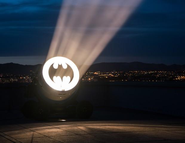 Chama o Batman! Bat-sinal pode ser visto em cidade da França (Foto: Divulgação)