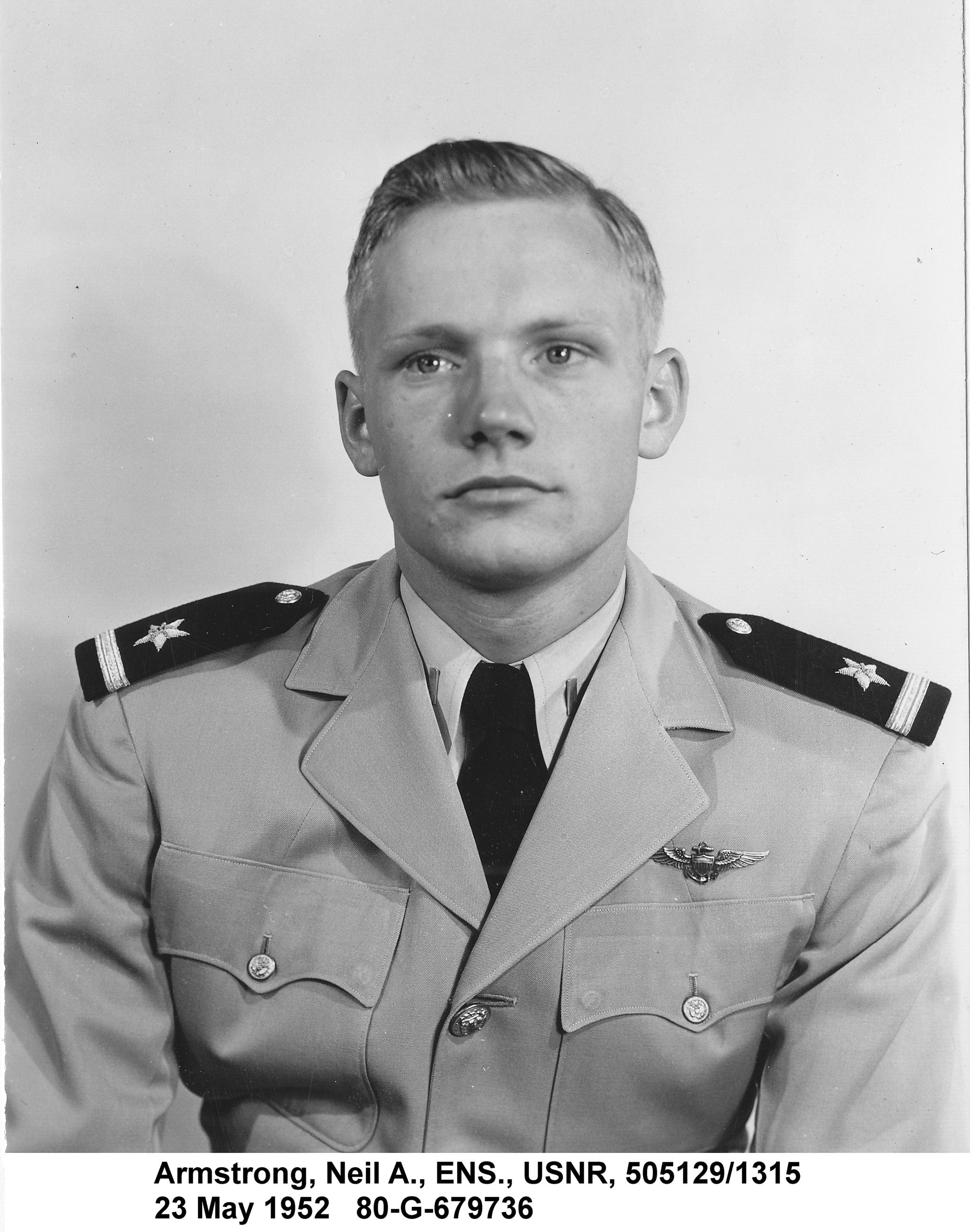 Neil Armstrong quando jovem (Foto: United States Navy/Wikimedia Commons)