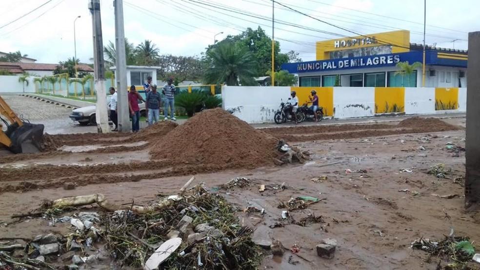 Ruas foram afetadas pelas chuvas fortes na cidade de Milagres — Foto: Portal Bahia 10