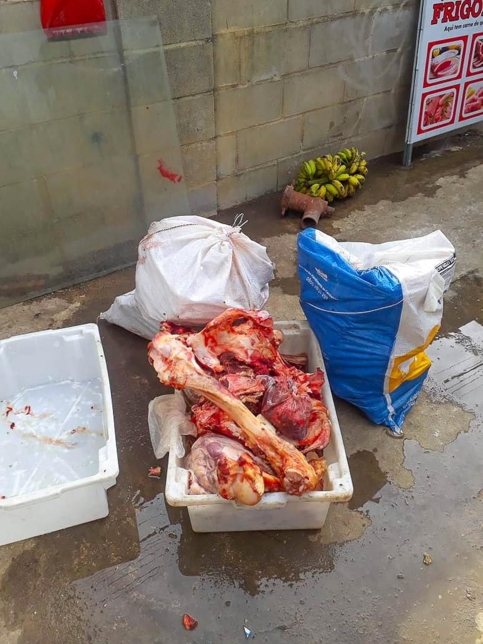 Operação apreendeu quase 1 tonelada de carne de origem clandestina  — Foto: Divulgação/Prefeitura de Linhares