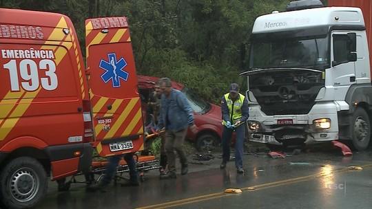 Morre 3ª vítima de acidente entre carro e caminhão na SC-418; mortos eram da mesma família