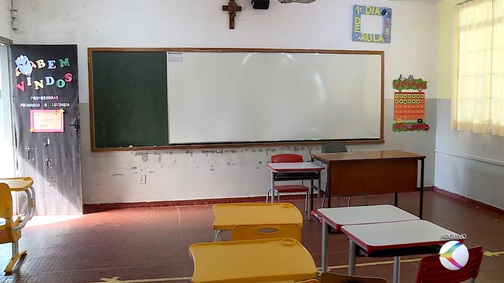 Sala de aula de escola municipal em Uberaba — Foto: Reprodução/TV Integração