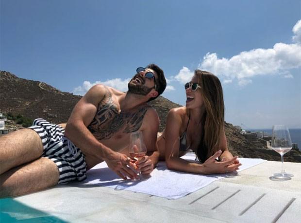 Alok e Romana Novais ficam noivos (Foto: Reprodução)