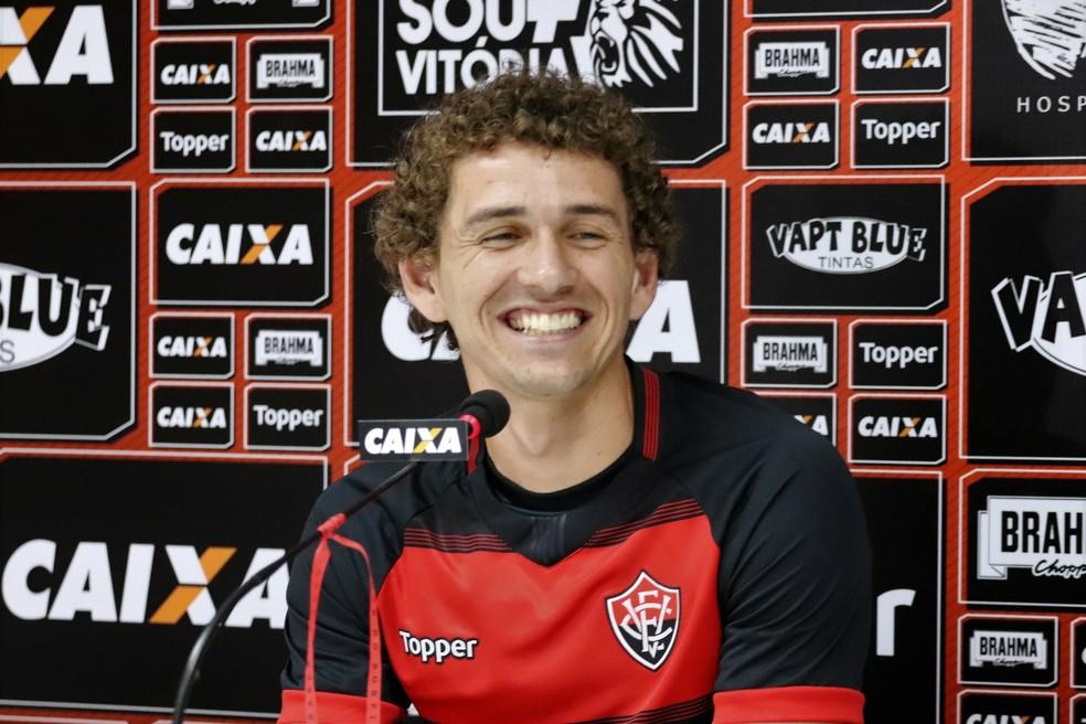 fc89b4f49134d ... Fabiano foi o último reforço anunciado pelo Vitória antes do  encerramento do prazo de inscrições —