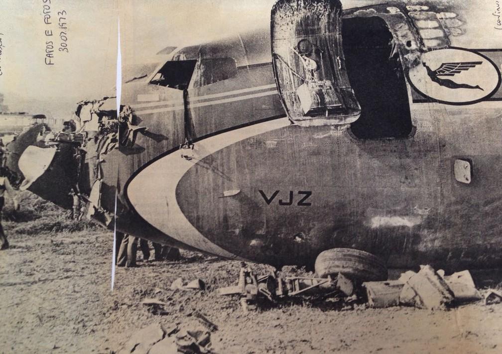 Porta dianteira do avião, por onde Ricardo Trajano foi resgatado do avião da Varig. Acidente ocorreu próximo ao aeroporto de Orly, periferia de Paris, em 1973 (Foto: Arquivo pessoal/Ricardo Trajano)