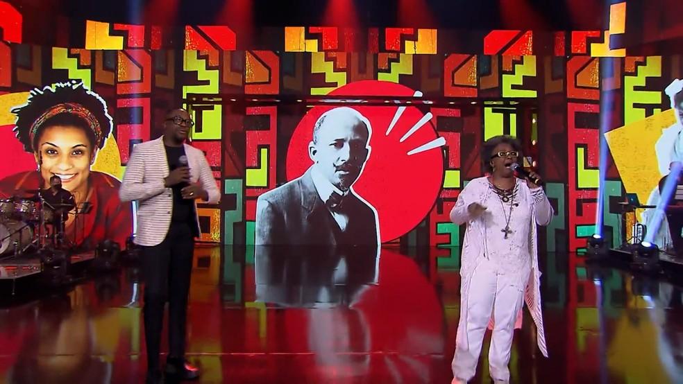 Mumuzinho e Sandra de Sá cantam no Caldeirão do Huck  — Foto: Globo