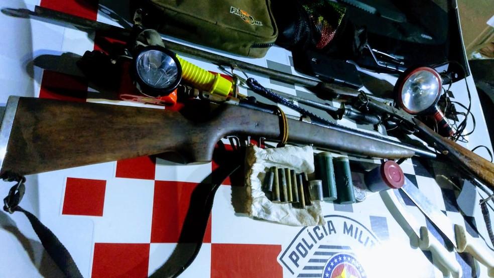 Policiais também apreenderam armas de fogo em Salto Grande — Foto: Polícia Militar/Divulgação
