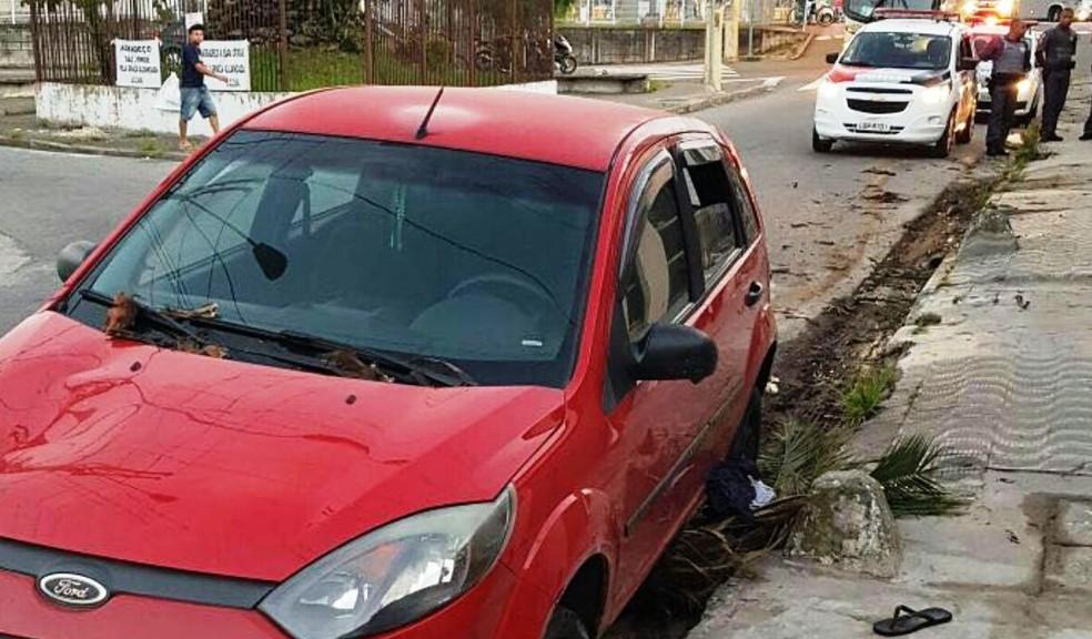 Adolescente foi morto após roubar carro e trocar tiros com PMs (Foto: Divulgação/Polícia Militar)