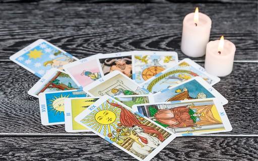 A história do tarot: tudo sobre a origem das cartas que revelam o futuro