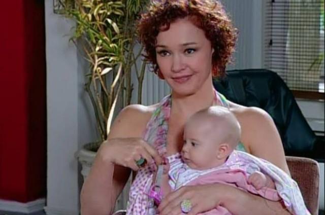 Julia Lemmertz como Esther em cena de 'Fina estampa' (Foto: Reprodução)
