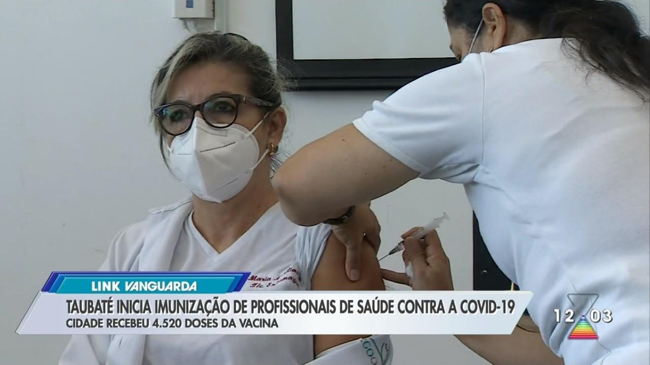 Taubaté inicia vacinação contra Covid-19 em profissionais de saúde