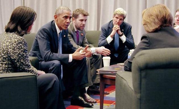 Barack Obama e a equipe em cena de 'The final year', documentário da Netflix (Foto: Divulgação)