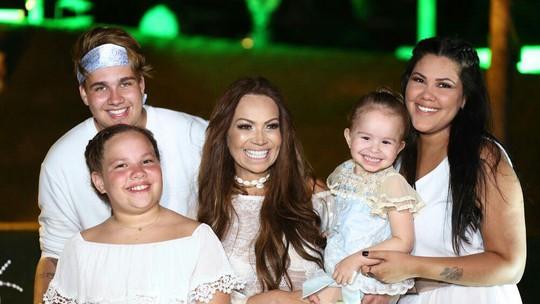 Solange Almeida conta que homenageou Jennifer Lopez no 'Show dos Famosos' a pedido da filha