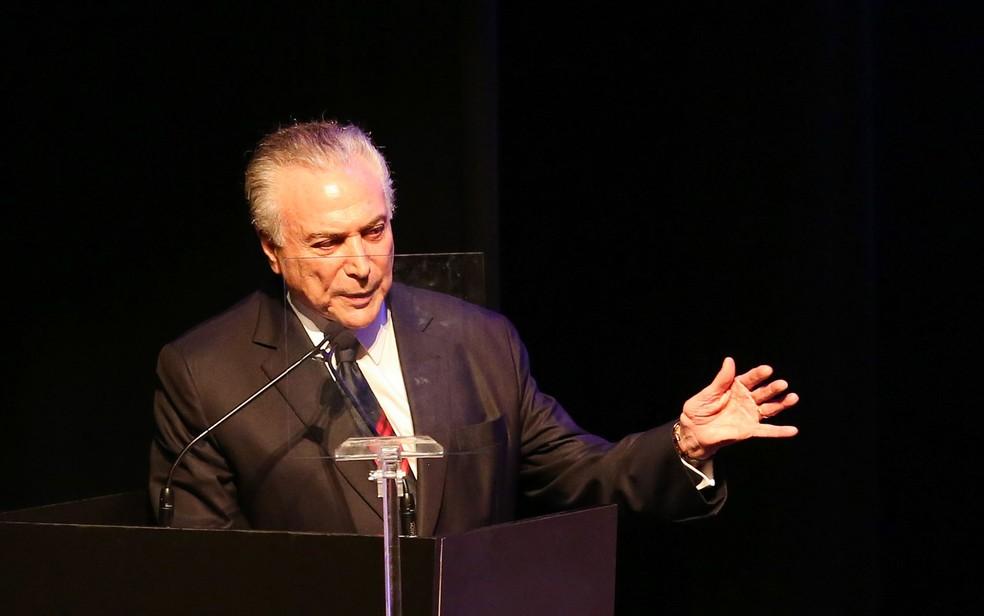 Temer discursa durante premiação em São Paulo (Foto: Jales Valquer/Fotoarena/Estadão Conteúdo)