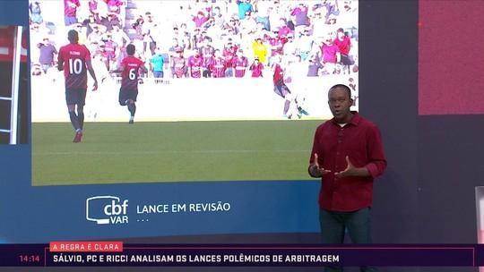 Integrantes do VAR discordam em lance de Athletico x Flamengo; veja vídeo