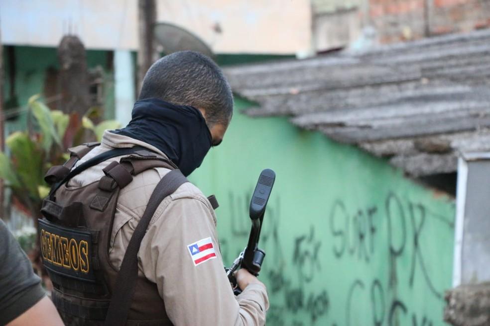 PF e SSP cumprem mandados de prisão e busca contra quadrilha de assaltos a bancos na Bahia — Foto: Alberto Maraux/SSP-BA