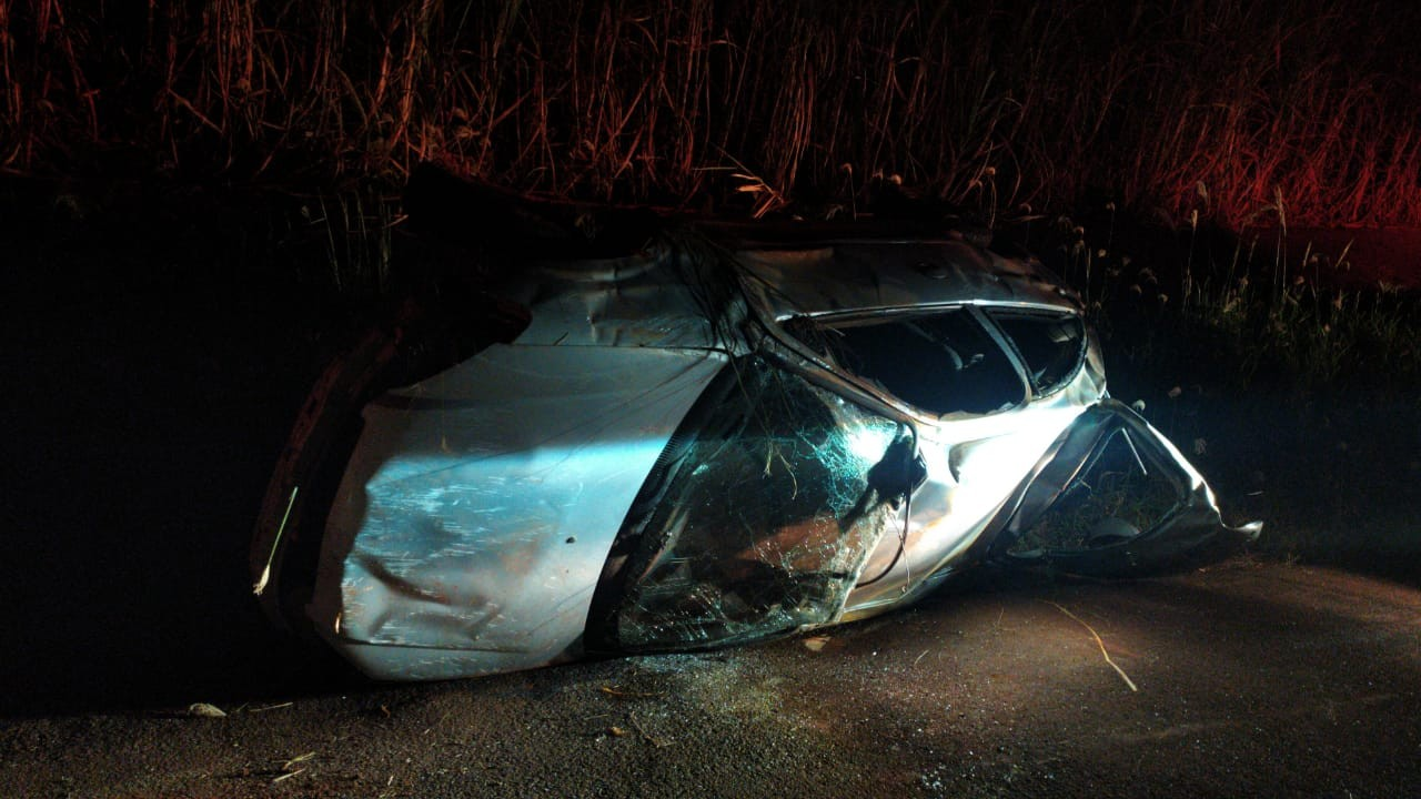 Homem morre após veículo capotar na PR-517, em Itambaracá
