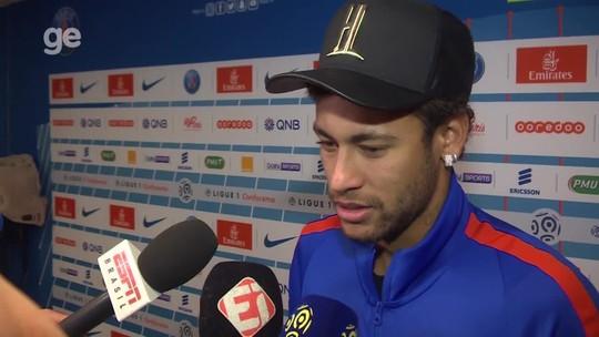 """Neymar diz ter ficado """"chateado"""" com vaias mas é o batedor de pênaltis: """"Não estou aqui para me esconder"""""""