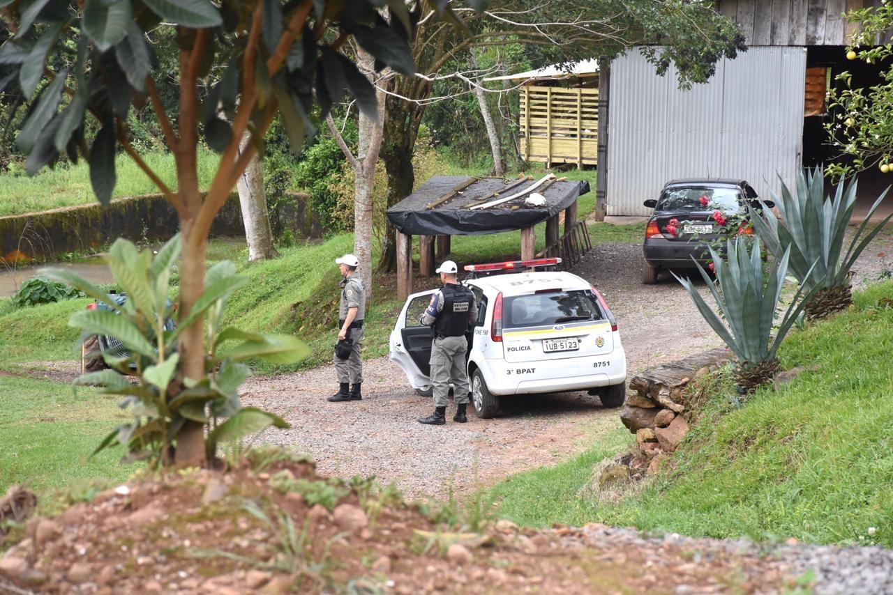 Preso suspeito de matar agricultor com golpe na cabeça durante briga entre famílias em Monte Belo do Sul - Notícias - Plantão Diário