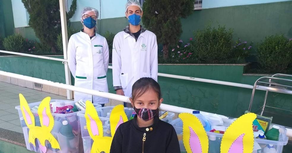 Menina compra donativos para hospital no RS com dinheiro que ganhou de aniversário