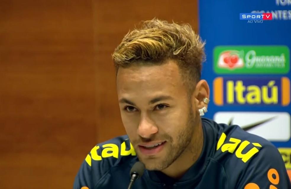 966004a77e ... Neymar em coletiva da Seleção — Foto  reprodução