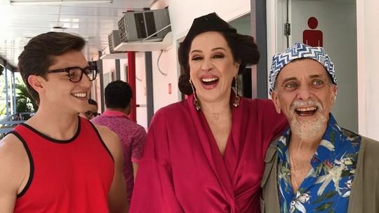 Jorge Fernando sai de trás das câmeras e faz participação especial em 'Verão 90'