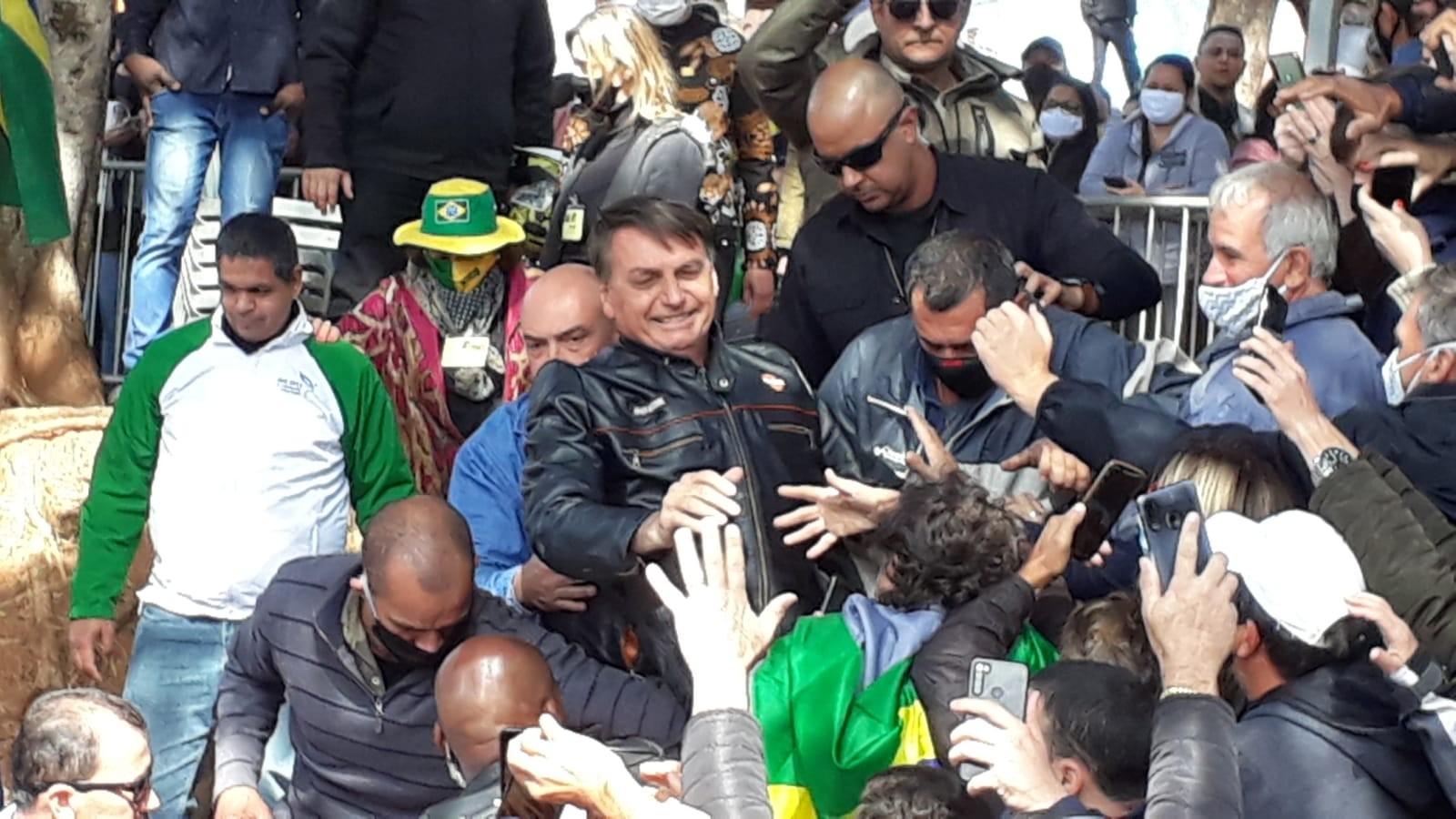 Governo de SP autua Bolsonaro pela 3ª vez pelo não uso de máscaras durante ato com motociclistas no interior de SP